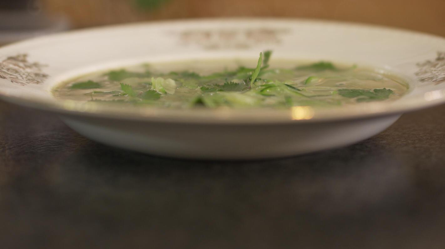 Courgettesoep met groene curry en kokos