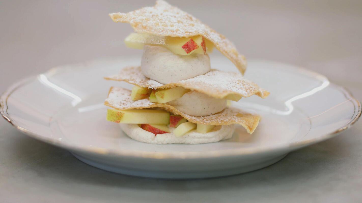 Wonton-millefeuille met appel en zoete mascarpone