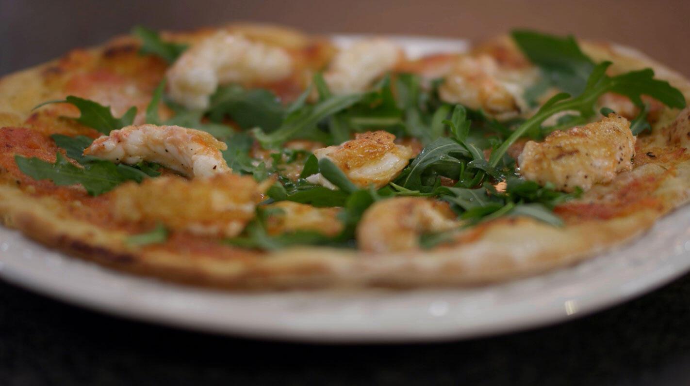 Pizza margarita met langoustines