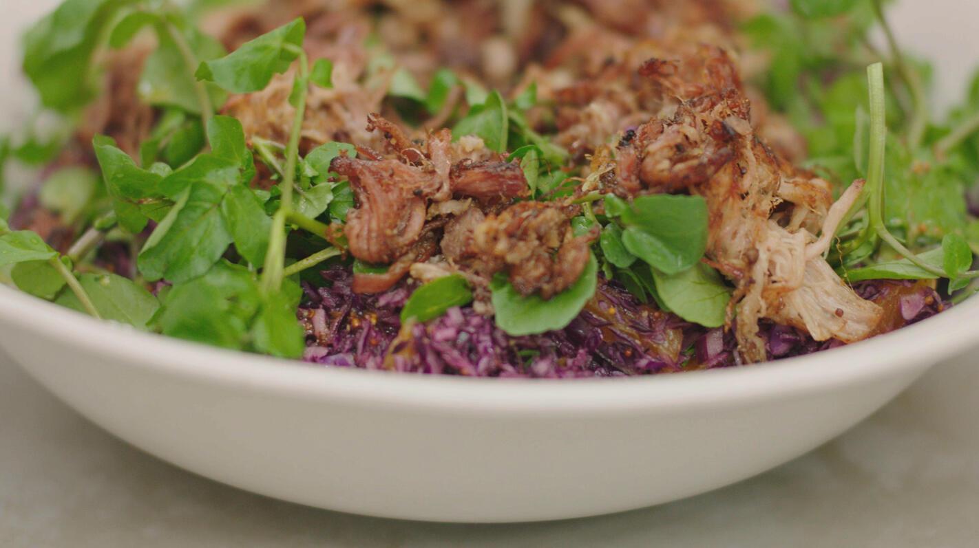 Winterse salade met spek en rodekool