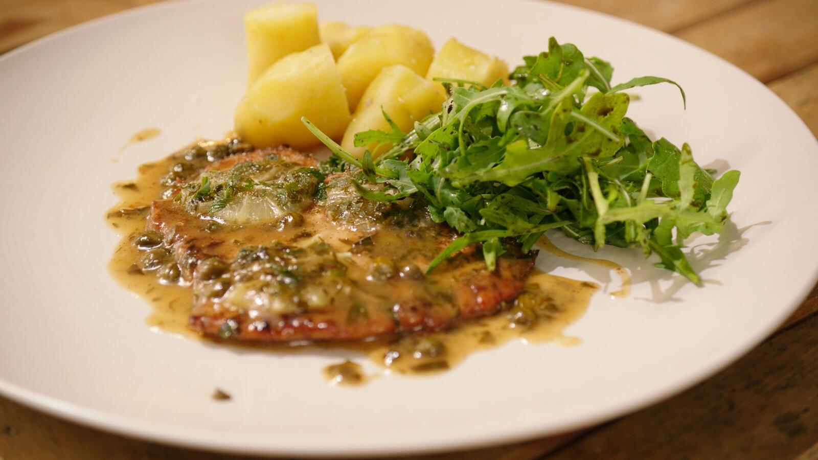 Kalfspiccata met ratte-aardappelen en een rucolaslaatje