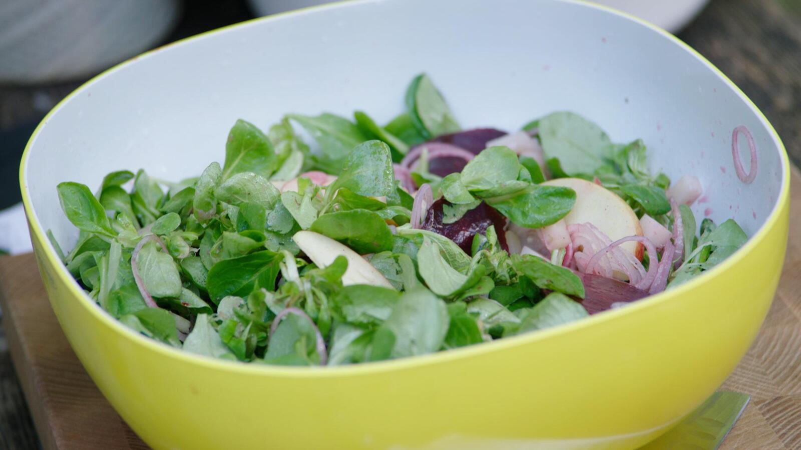 Verschillende salades voor bij de BBQ