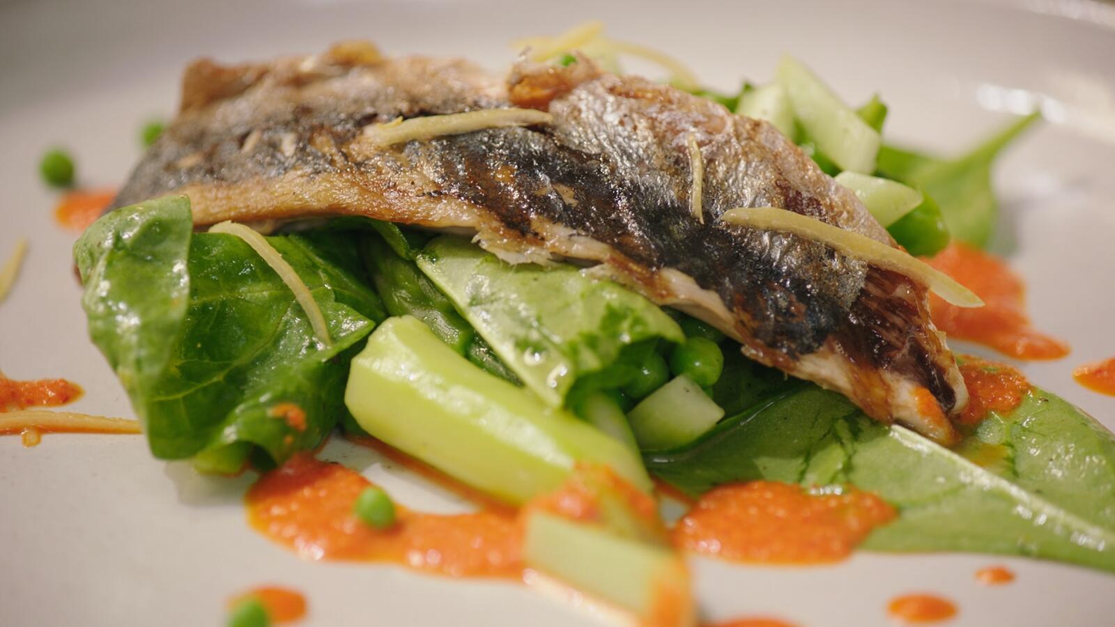 Gegrilde makreel met citrusdressing en groene groenten