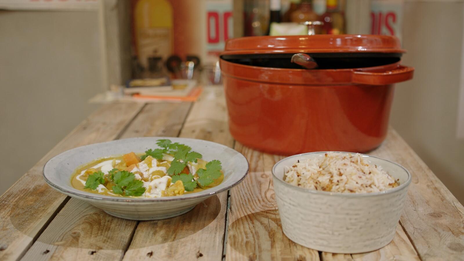 Curry van zoete aardappel, pinda en rijst