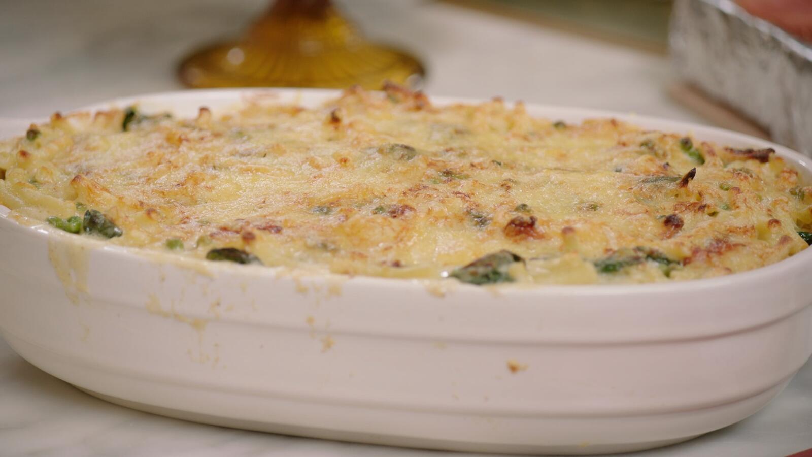 Macaroni met kip, spinazie en erwtjes