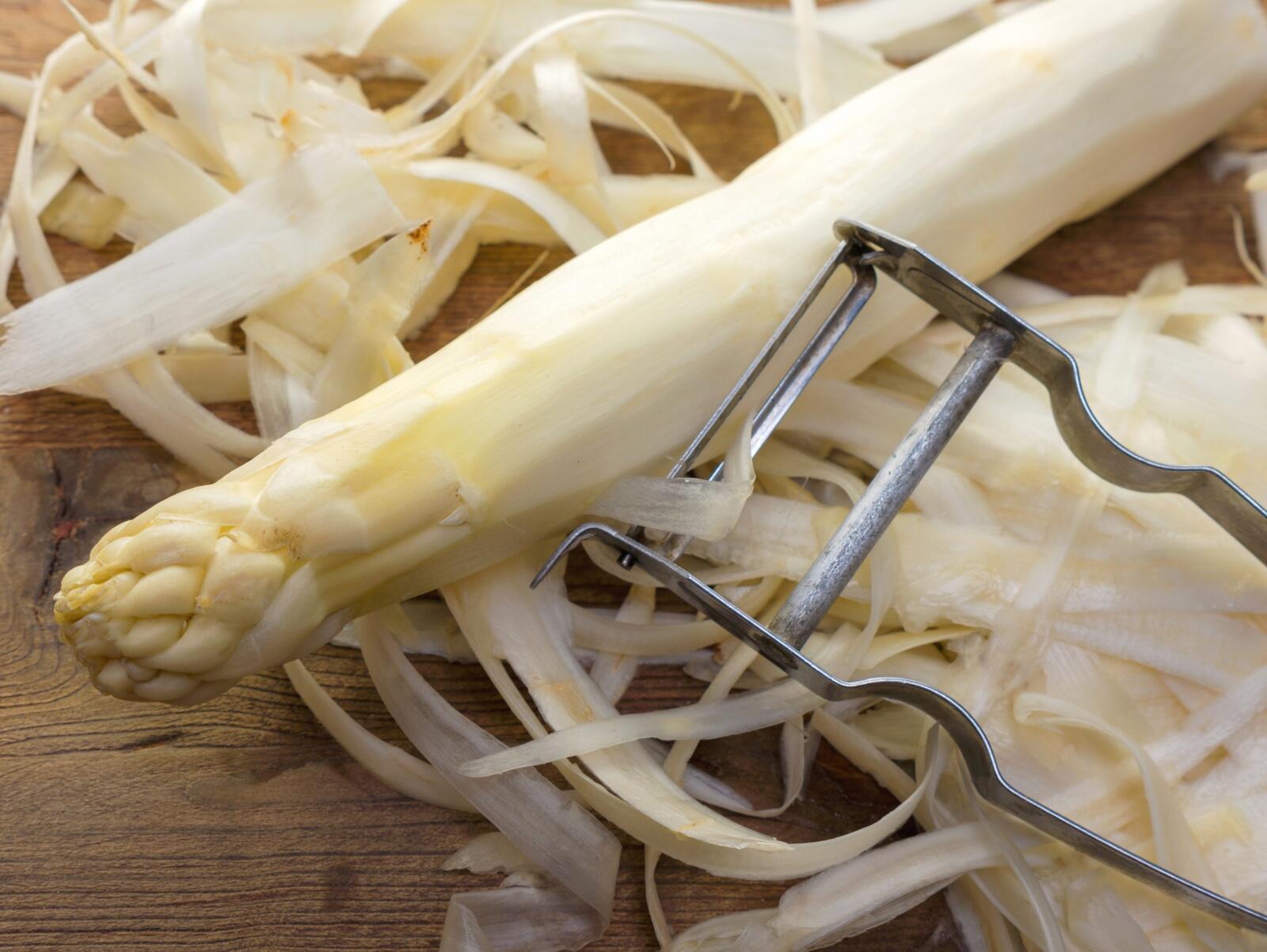 hoe asperge schillen