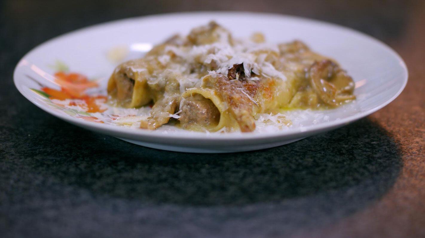 Cannelloni van parelhoen met oesterzwammen