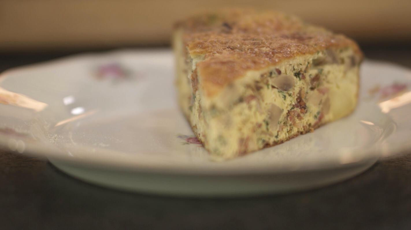 Omelet met spekjes, champignons en kaas