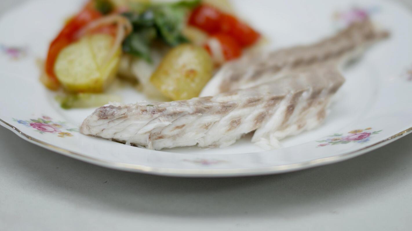 Zeebaars in zoutkorst met groenten