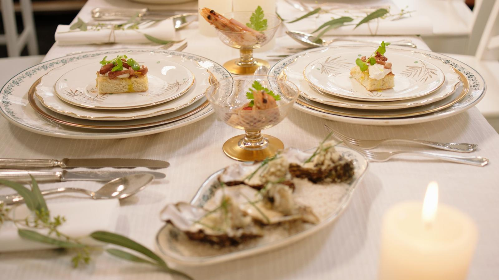 Gamba met chorizo en aïoli, oester met zwarte peper-limoenmayonaise, focaccia met burrata
