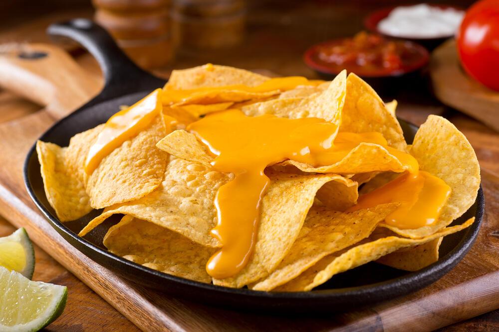 Bekend Hoe maak ik zelf die lekkere kaasdip van bij de nacho's in de &GA86