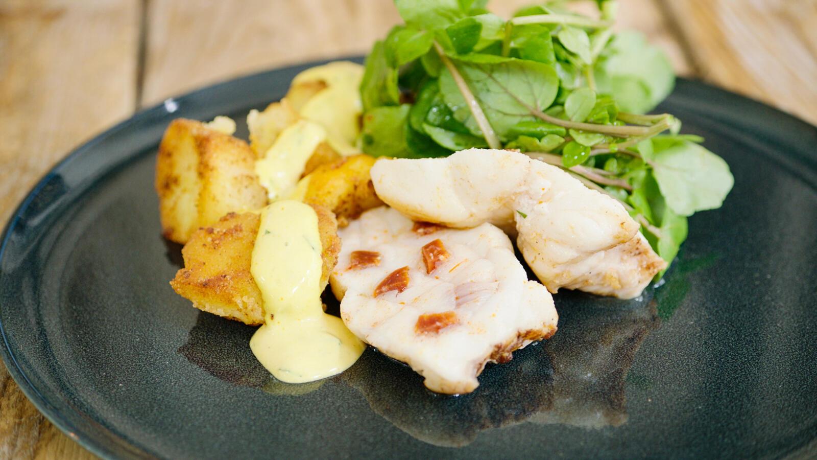 Zeeduivel met chorizo, gebakken aardappel en saffraanaioli