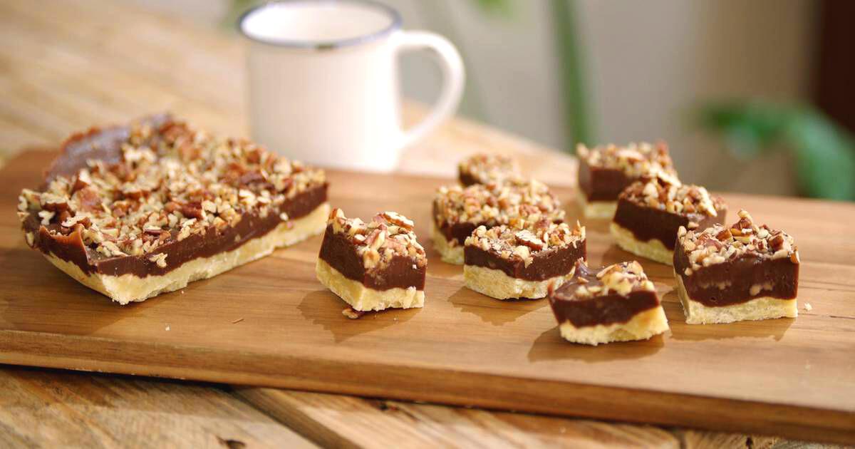 Shortbread met chocoladefudge en noten