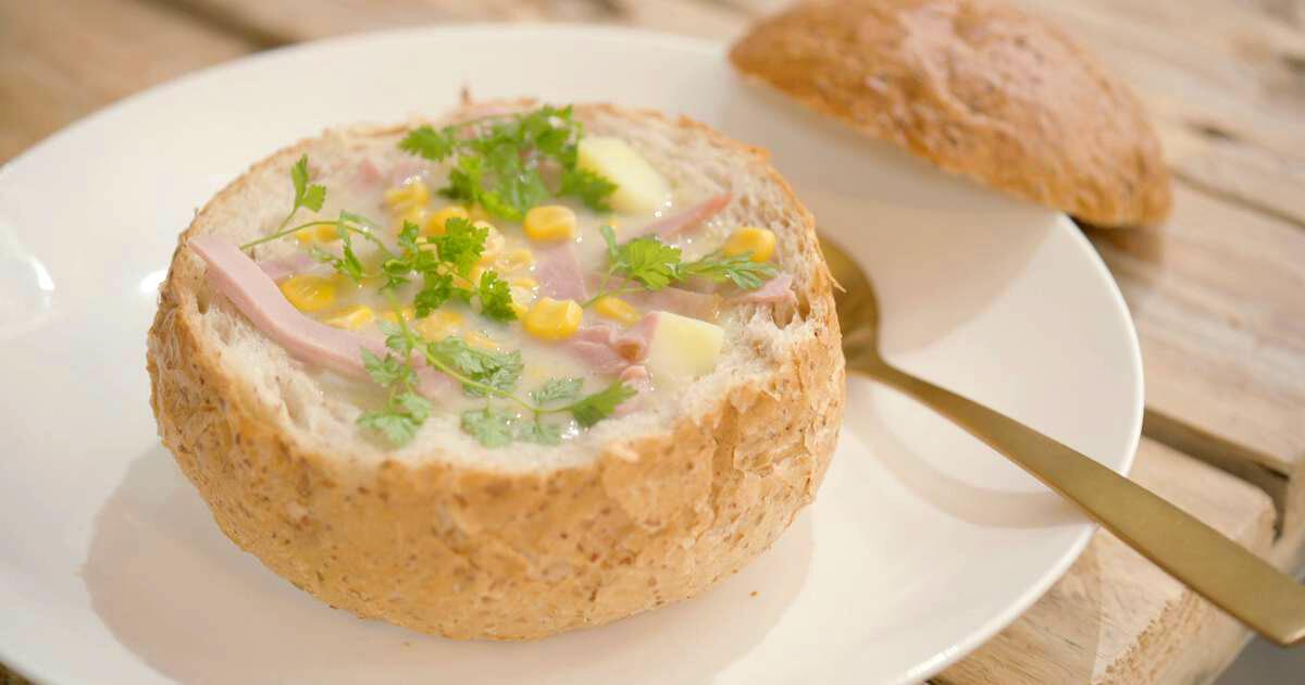 Chowder met gekookte ham, prei en maïs