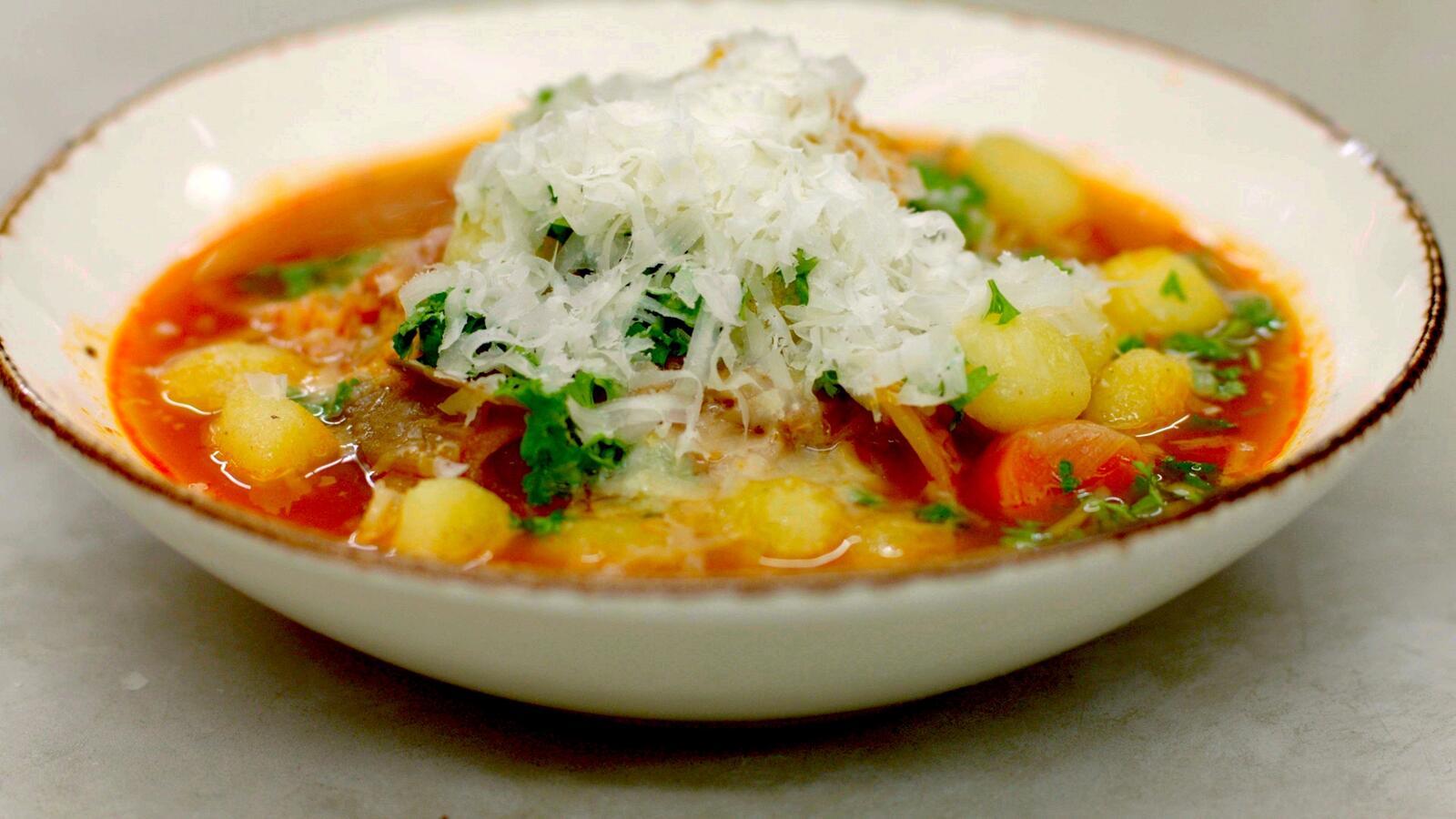 Groenteboost met gnocchi: een maaltijdsoep