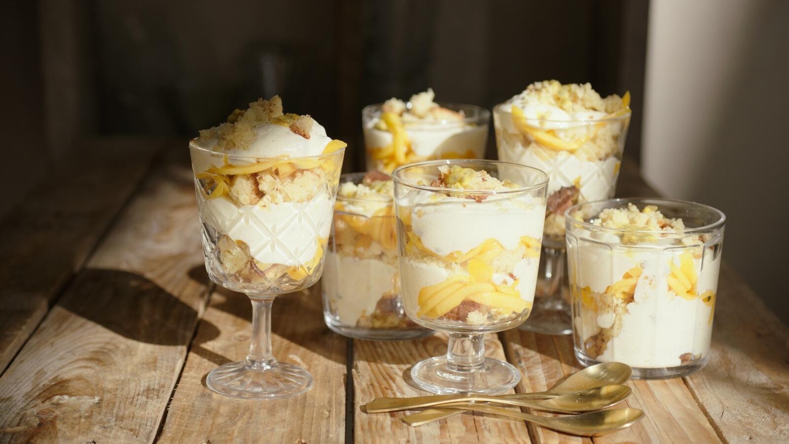 Trifle met mango en passievrucht