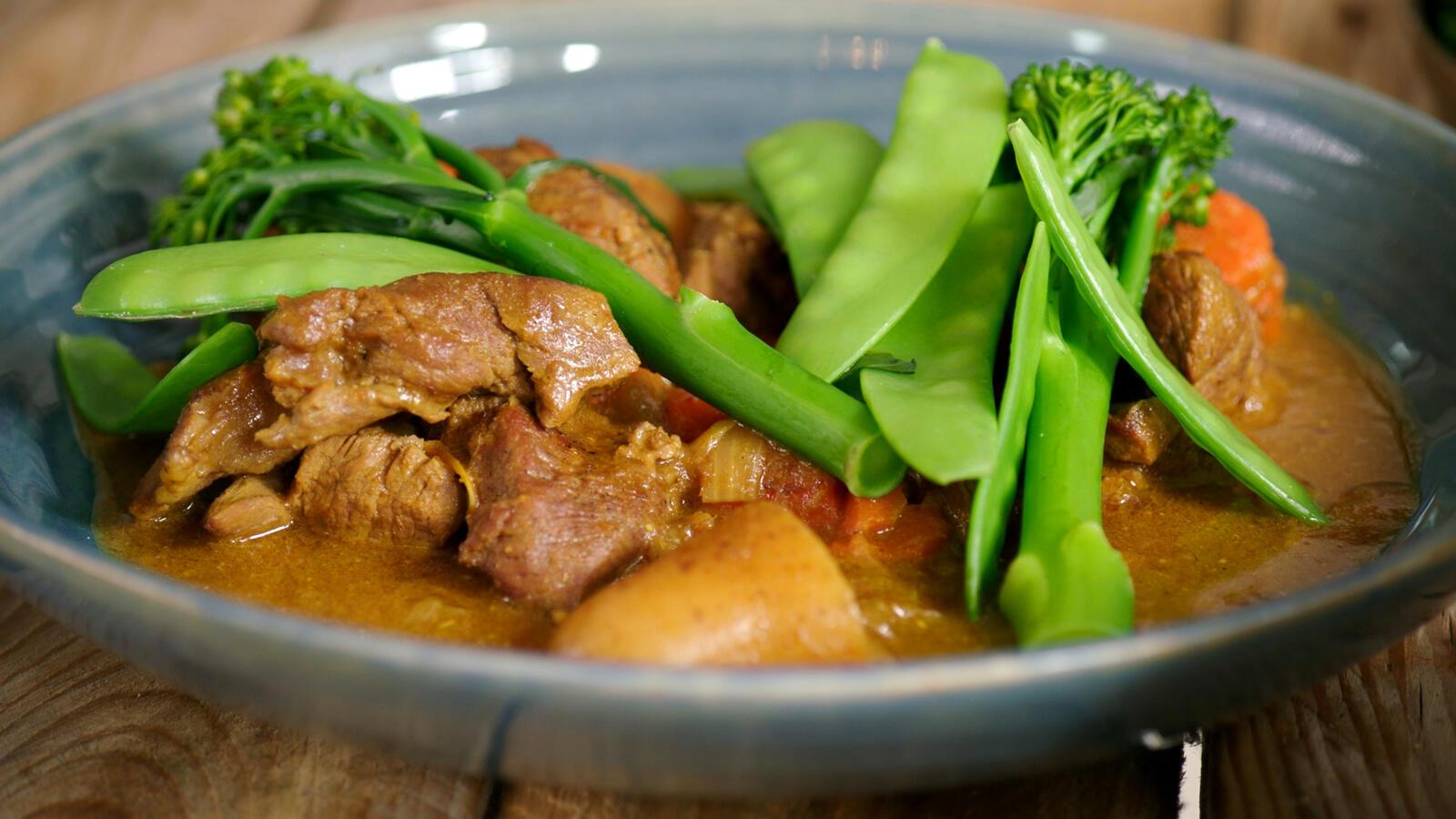 Curry met lamsschouder en aardappel