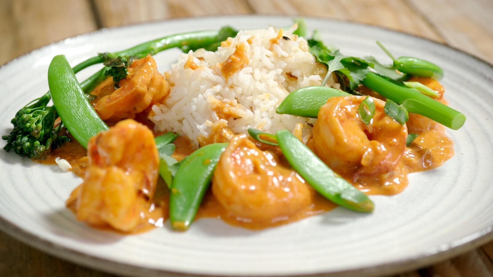Pittige scampi met rijst