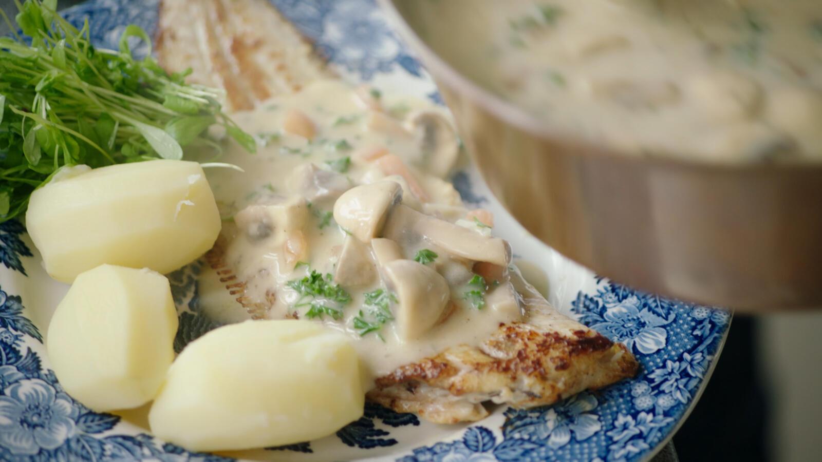 Zeetong met garnalen en aardappelen