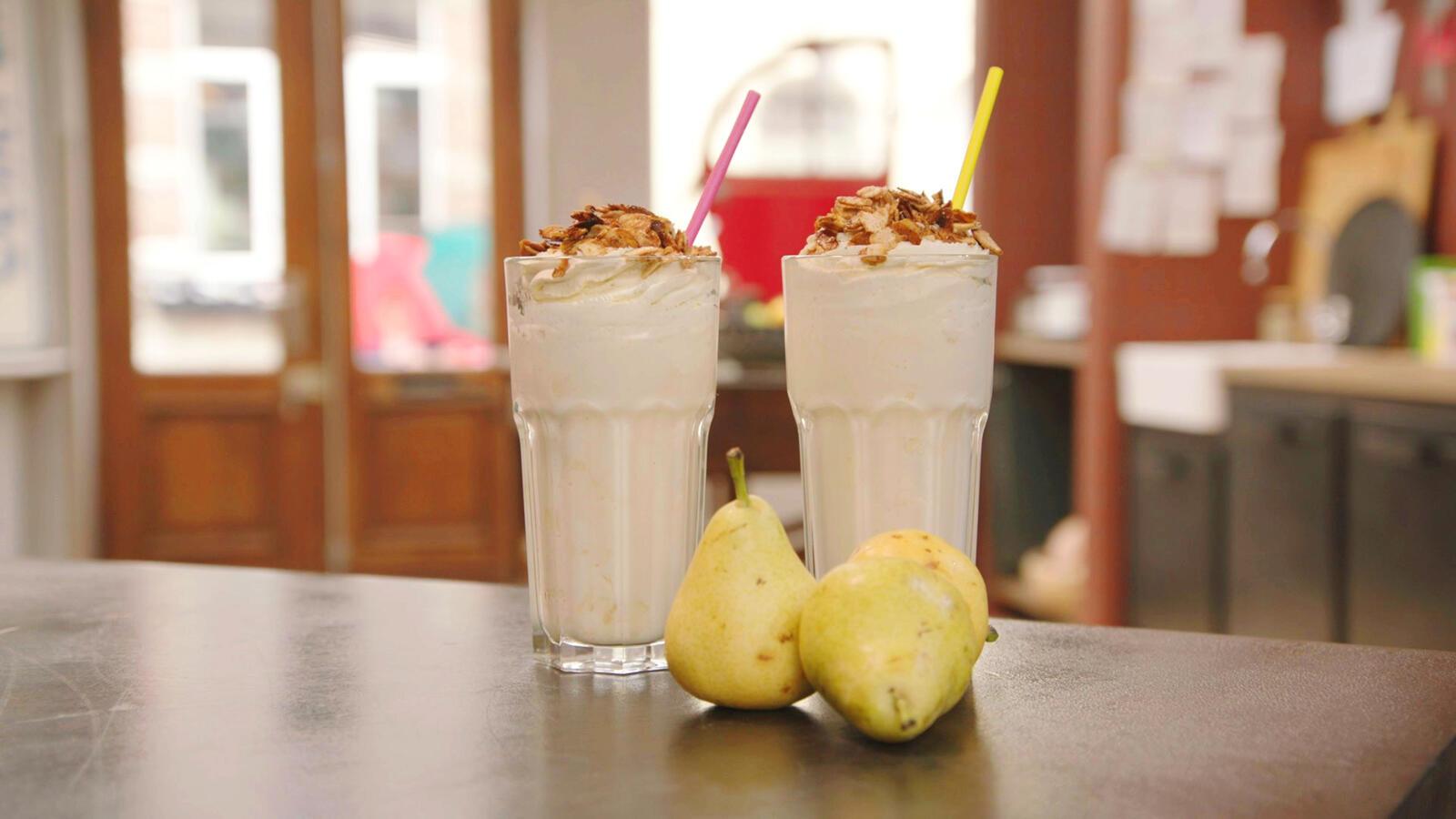 Shakespear milkshake met peer en yoghurtijs