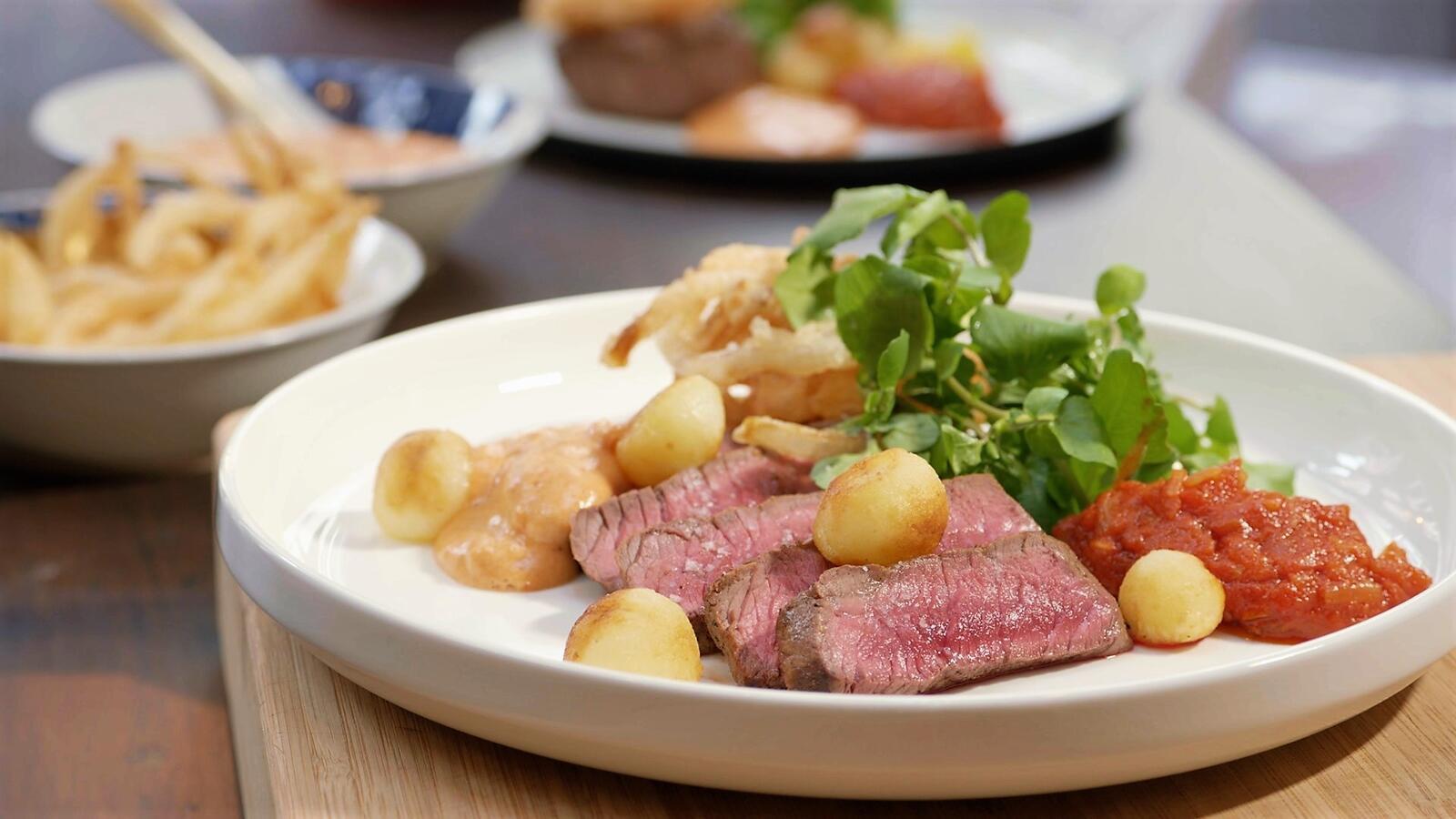 Steak Tyrolienne met gebakken aardappeltjes