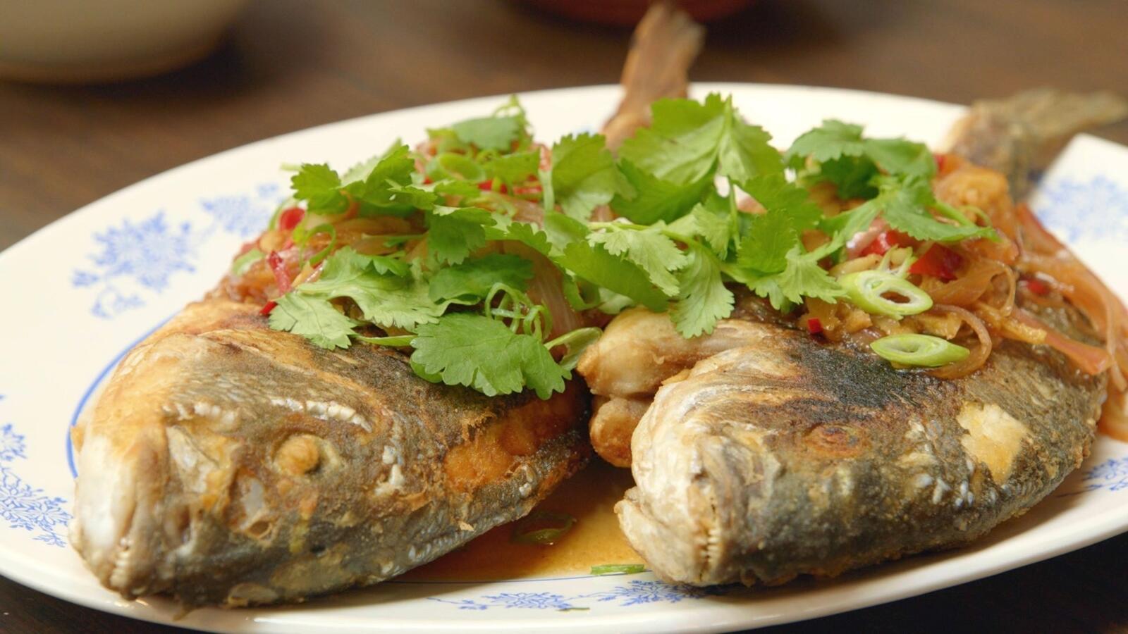 Goudbrasem met oosterse marinade en rijst