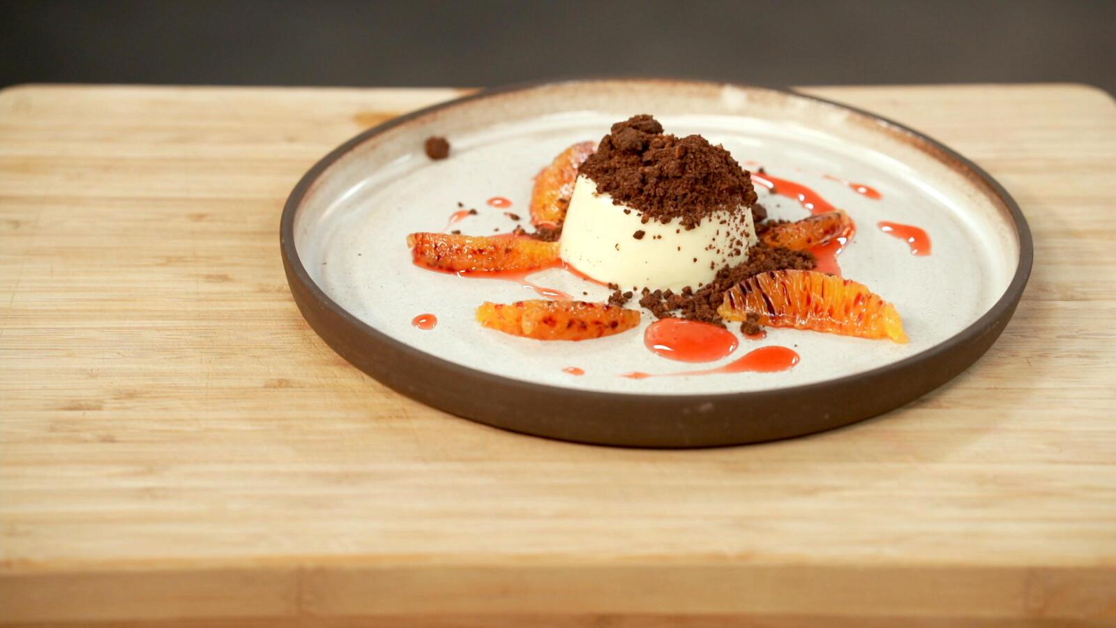 Panna cotta van appelsien met chocolade crumble
