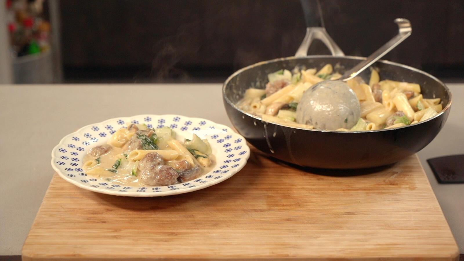 Pasta meatballs met asperges, champignons en paksoi
