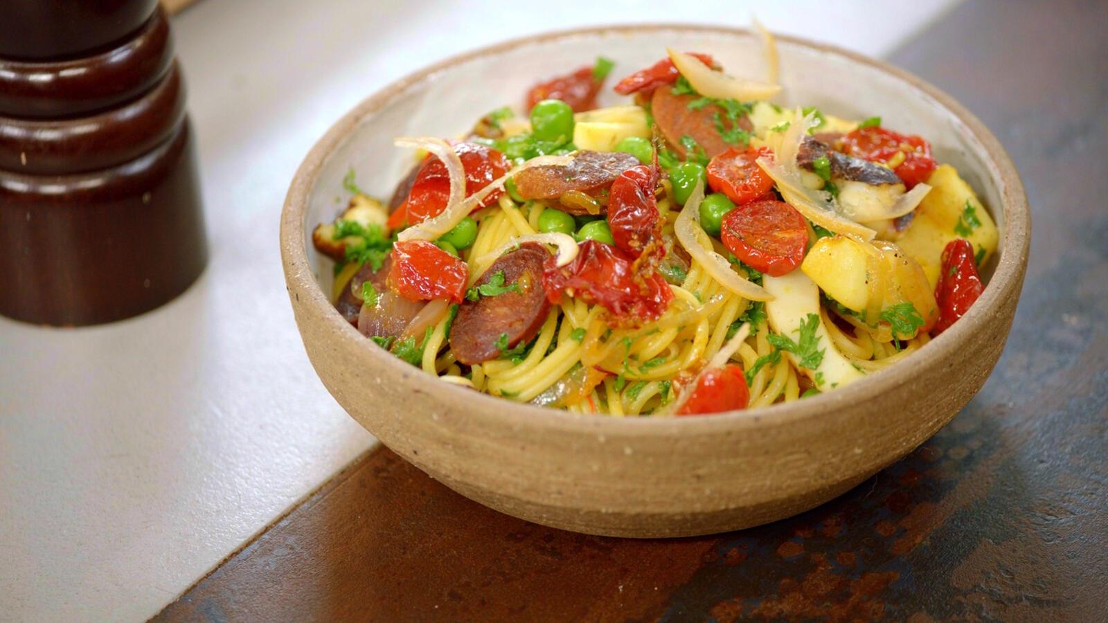 Pasta met sepia, chorizo en gekonfijte tomaat