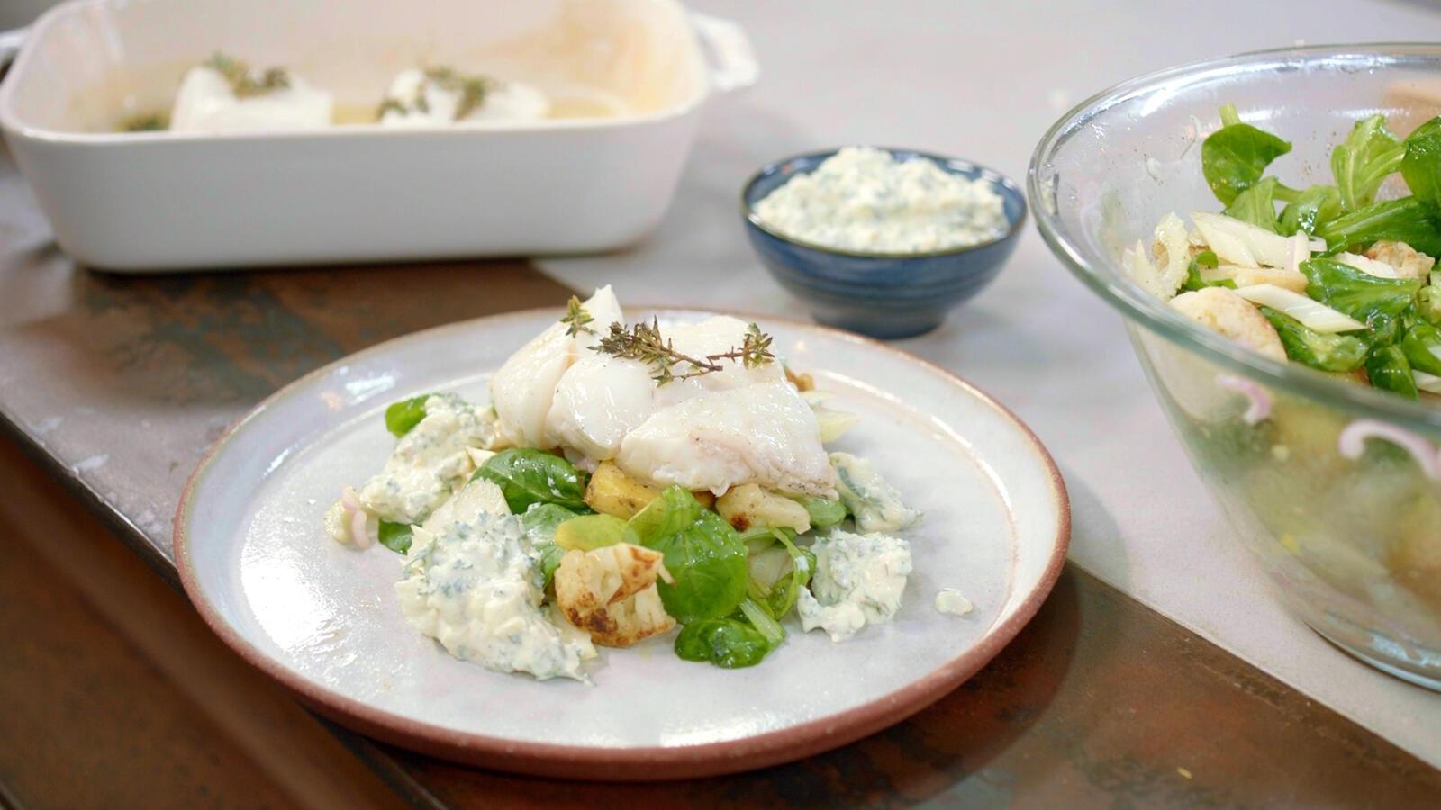 Kabeljauw met yoghurttartaar en bloemkoolsalade