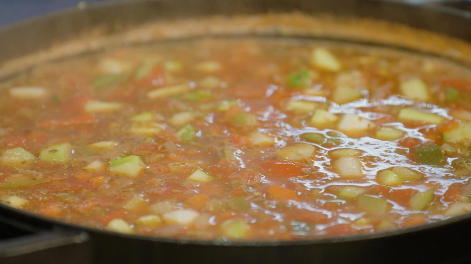 Minestrone met soepvlees en asperges