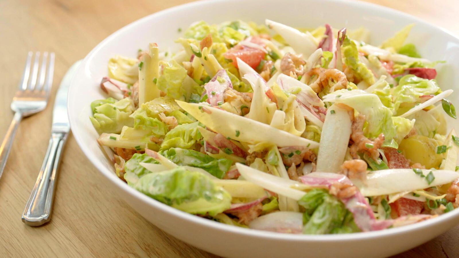 Witloofsalade met garnalen, pompelmoes en vinaigrette salée