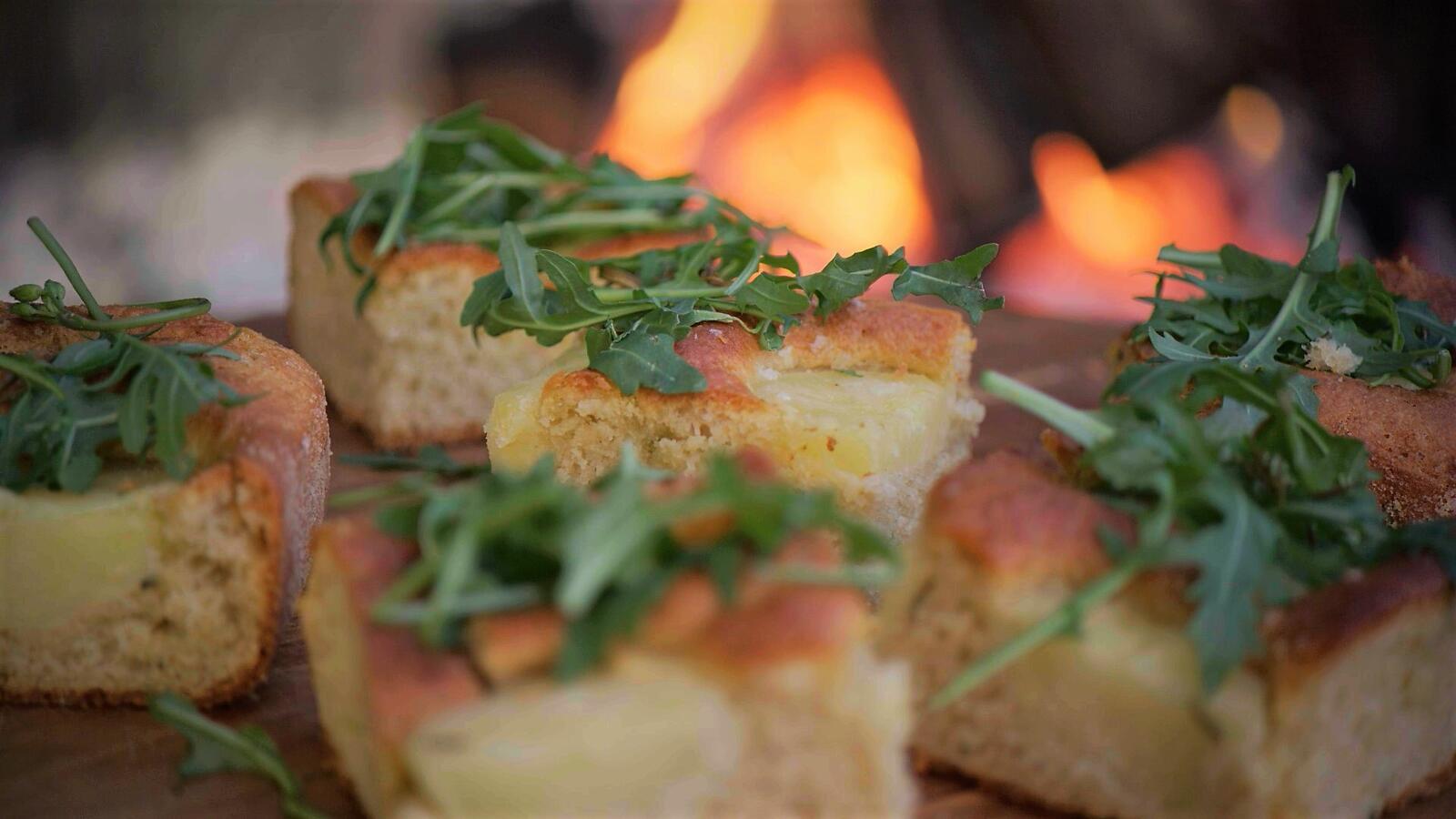 Focaccia met aardappel en rozemarijn
