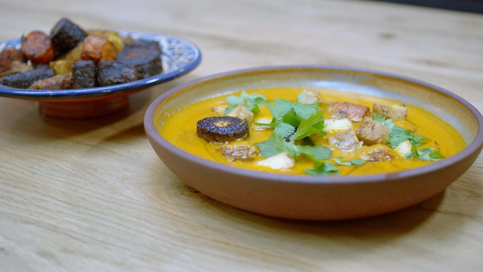 Geroosterde wortel-tomatensoep