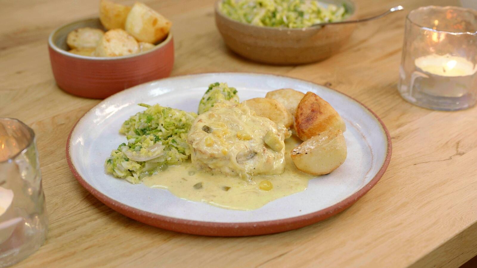 Zeeduivel cross and blackwell met groene kool en gebakken aardappelen