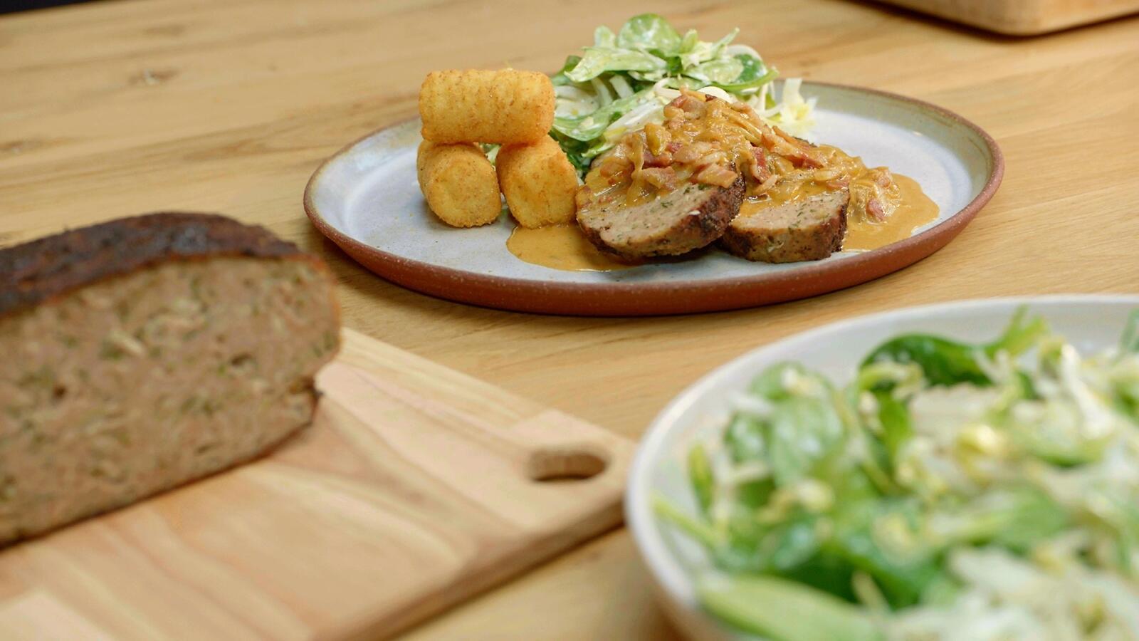 Kalfsbrood met witloofroom en kroketten