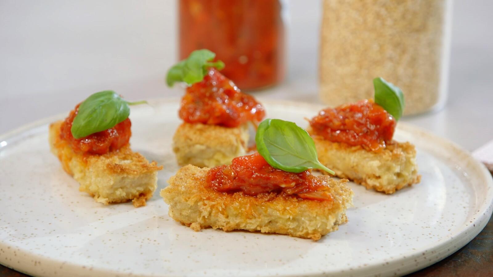 Havercakejes met paprika-tomatenchutney