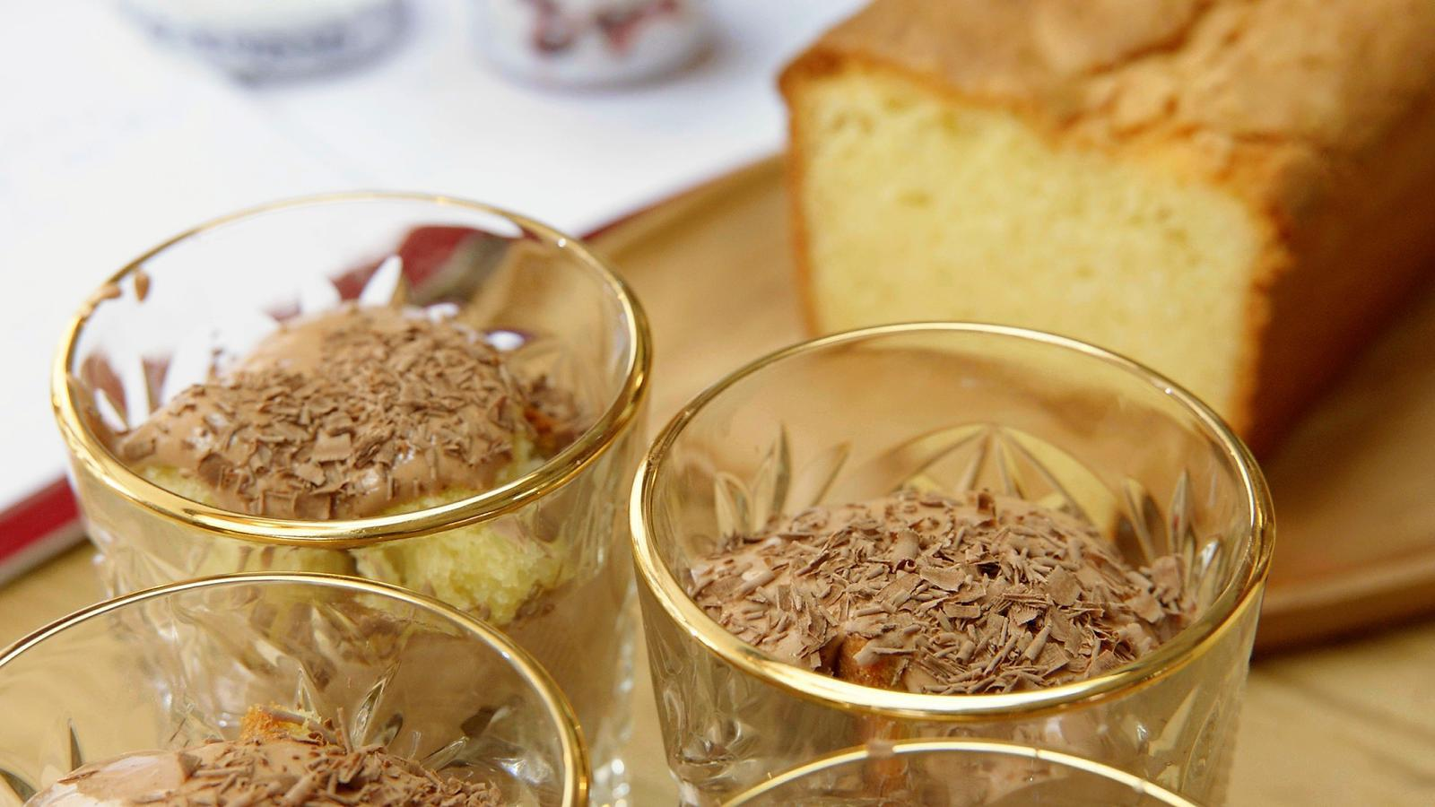 Koude sabayon met amarena-kersen en chocolade