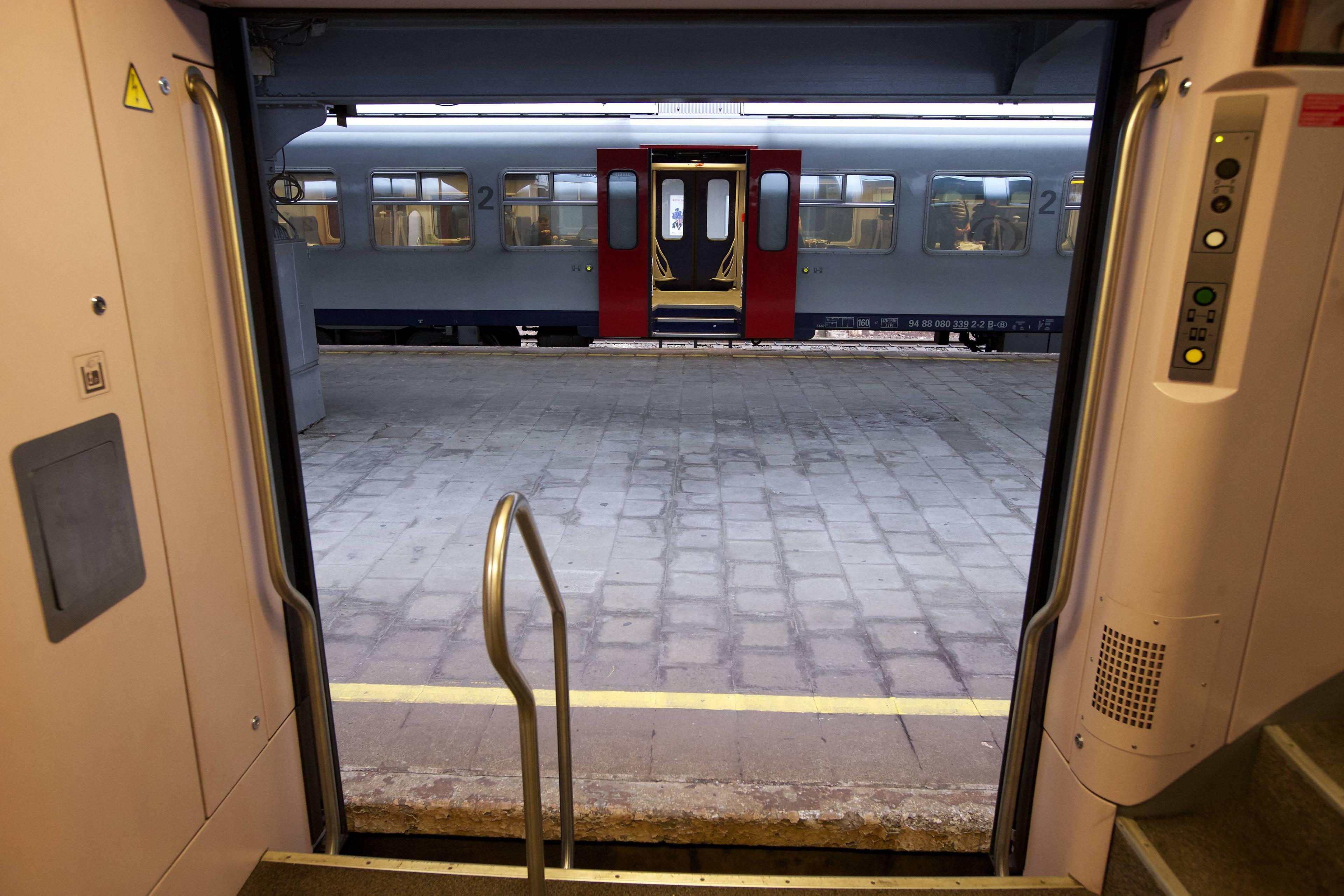 """Geen wifi op treinen NMBS: """"Het is te duur"""""""
