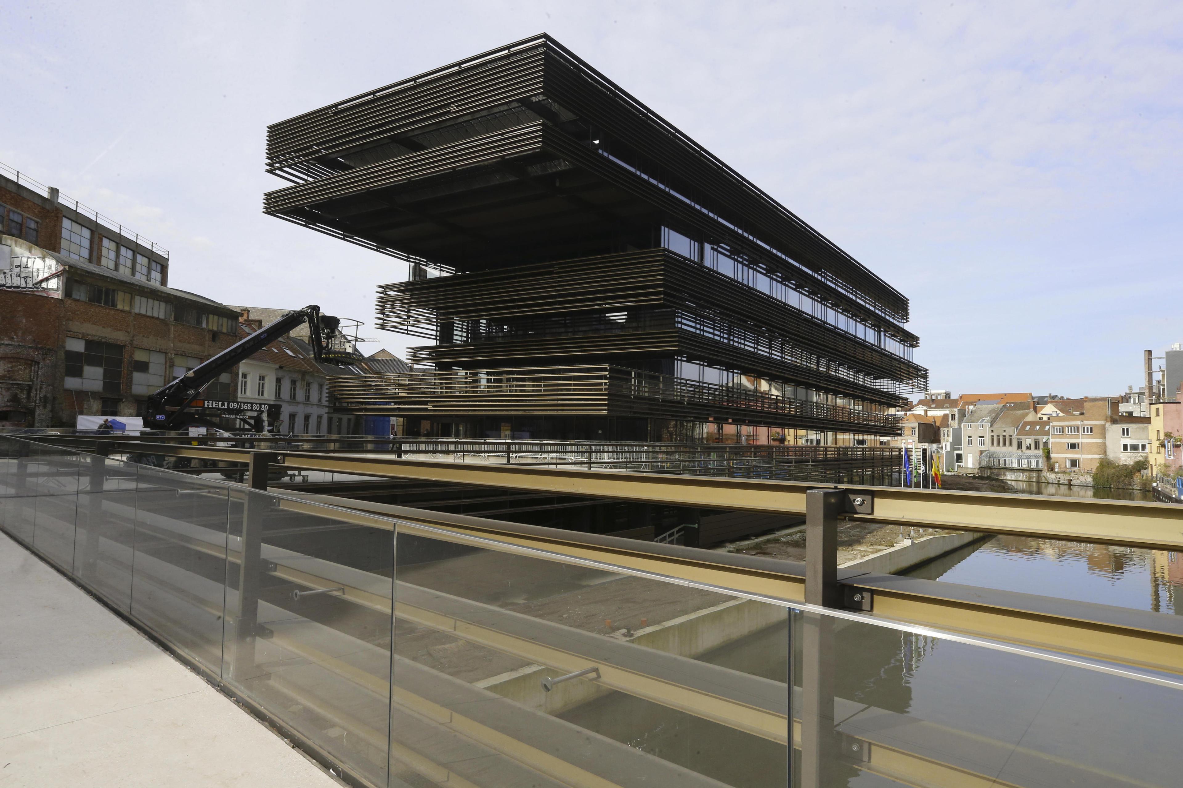 Bbc tipt de krook in gent als 1 van de 10 mooiste bibliotheken van de wereld vrt nws - Bibliotheek van de wereld ...