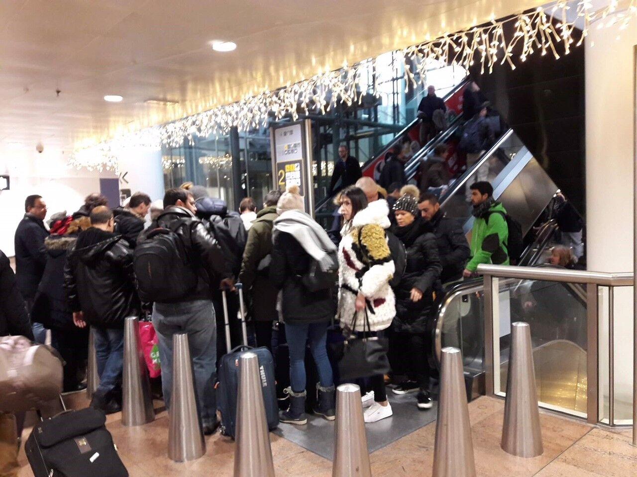 Liveblog: Winterprik veroorzaakt chaos op de weg, na 20 uur geen bussen meer in West-Vlaanderen