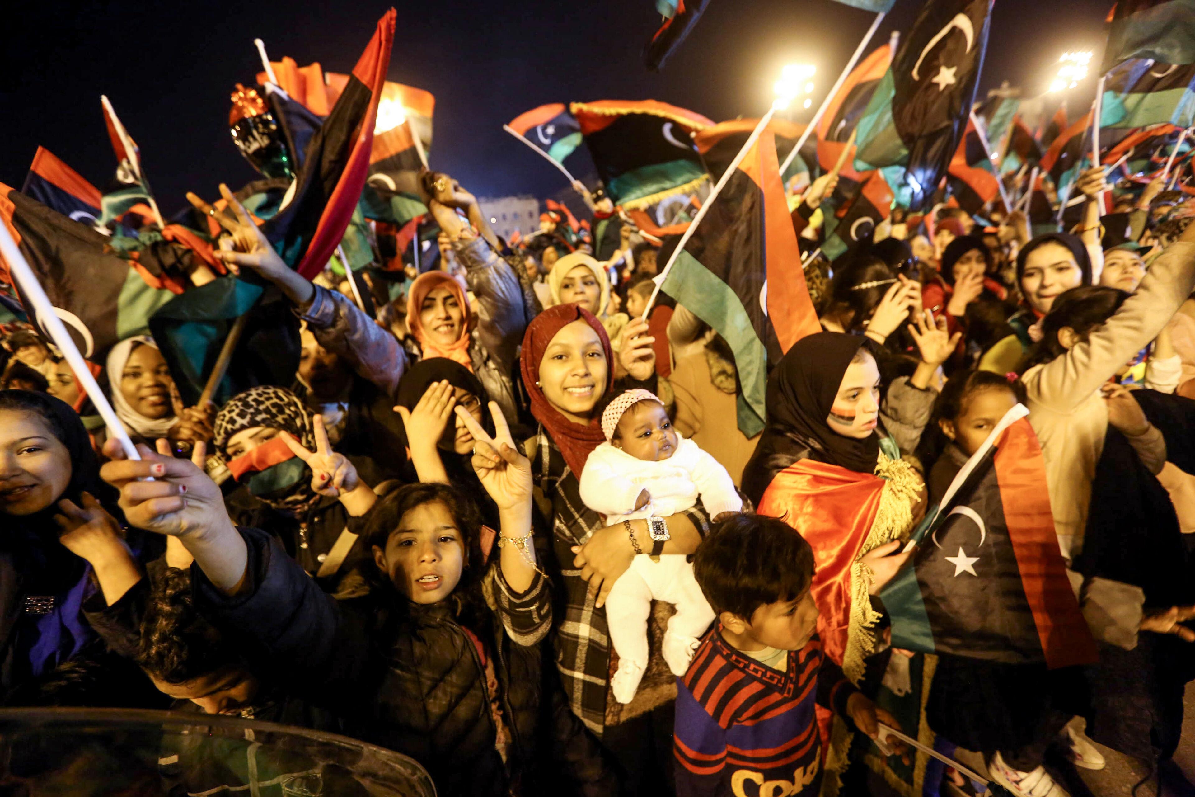 Duizenden Libiërs vieren verjaardag van revolutie, ondanks huidige crisis