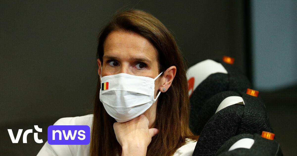 """Minister van Buitenlandse Zaken Wilmès over coronapaspoort: """"Vaccinatie niet koppelen aan vrijheid om te reizen"""""""