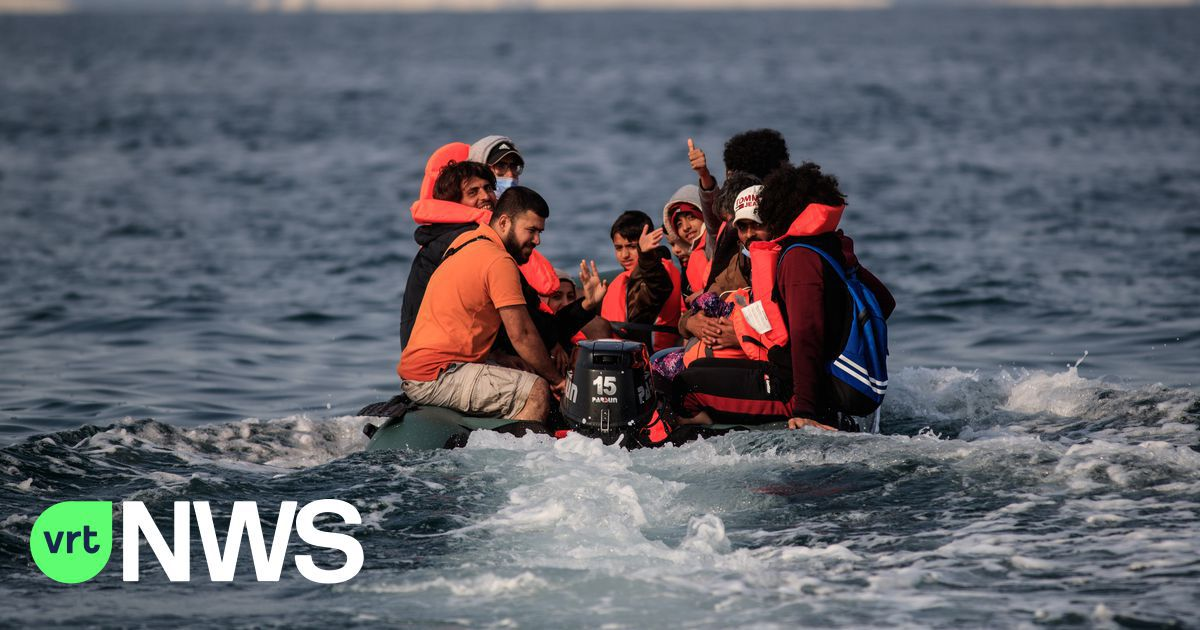 Franse autoriteiten redden 84 migranten in het Kanaal
