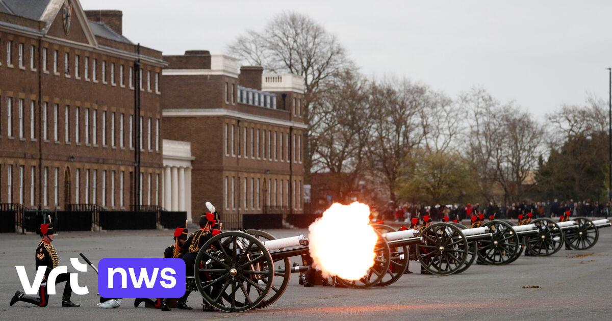 BEKIJK – Britten eren overleden prins Philip met 41 saluutschoten