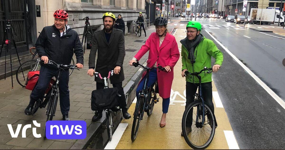 Inauguration du nouveau tronçon de pistes cyclables rue de la Loi à Bruxelles