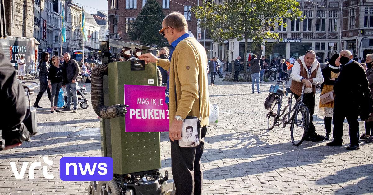 «Mag ik je peuken?»: robot Fons vraagt rokers in Gent om hun sigarettenpeuken in strijd tegen zwerfvuil