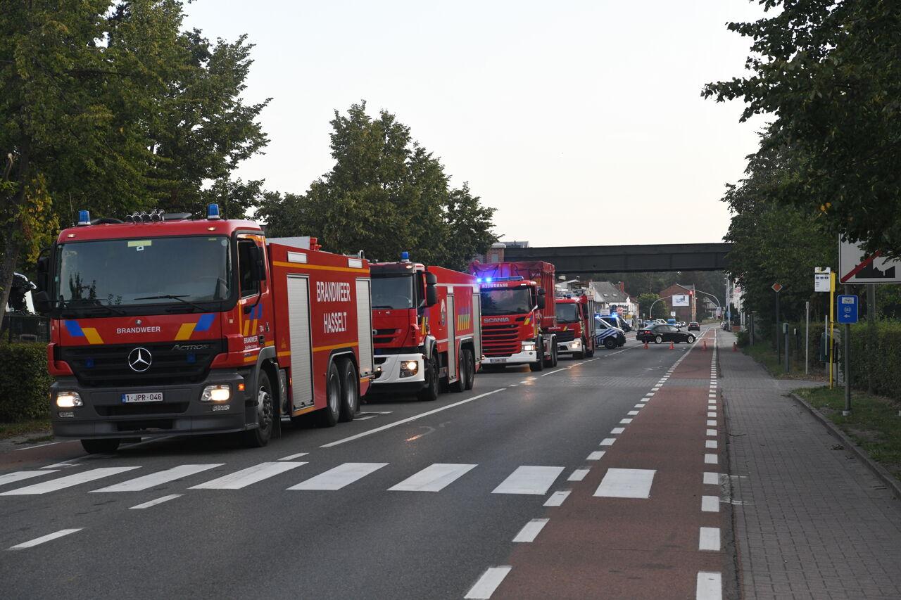 Fahrzeuge der Feuerwehr an der Einsatzstelle