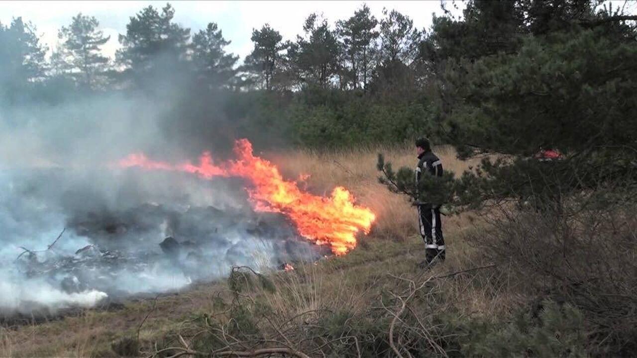 """Brand op militair schietterrein in Oost-Limburg: """"Reeks brandhaarden over lange afstand wijst op kwaad opzet"""""""