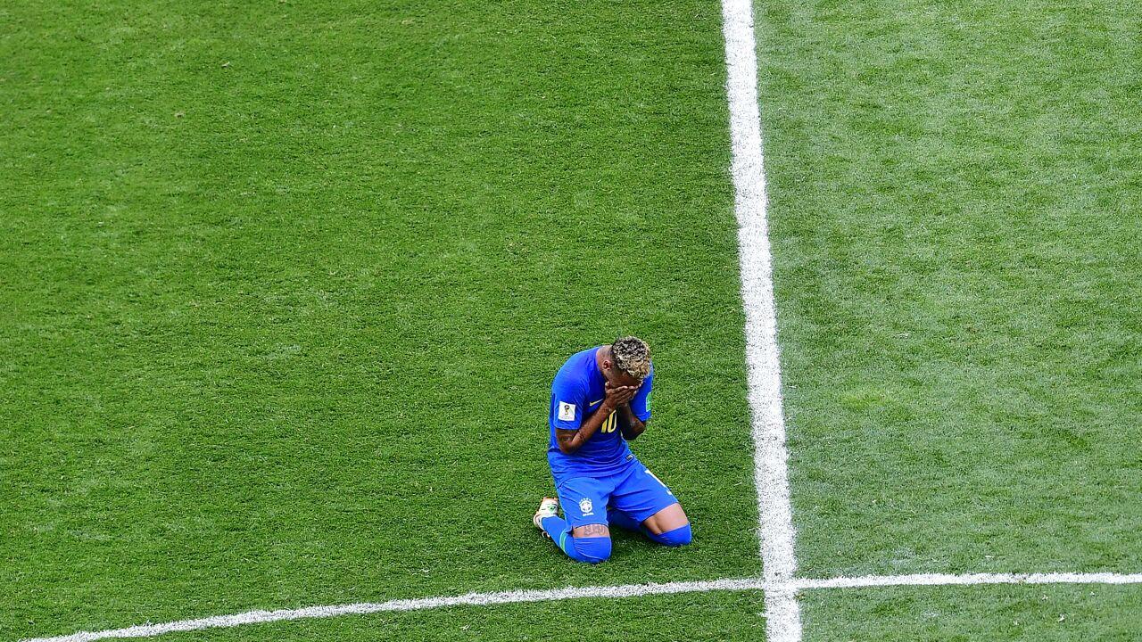 """Neymar barst in tranen uit na winst: """"Mentale spanning die ontstaat na zo'n match is niet te harden"""""""